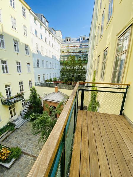 Wunderschöne Altbauwohnung, ruhig mit Balkon in TOPLAGE Berggasse 9. Bezirk