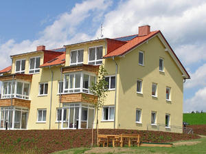 *3 Monate MIETFREI*Helle 3-Zimmer Wohnung mit Loggia in Auberg