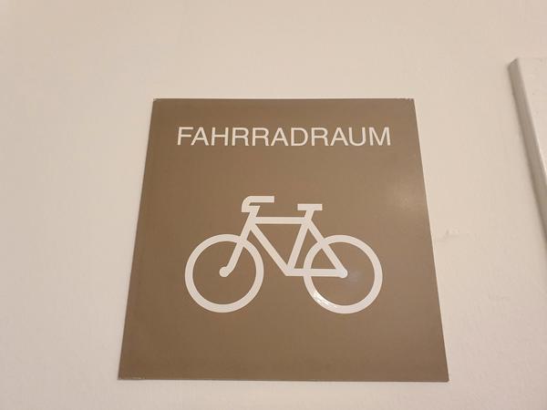 INNENANSICHTEN - Fahrradraum