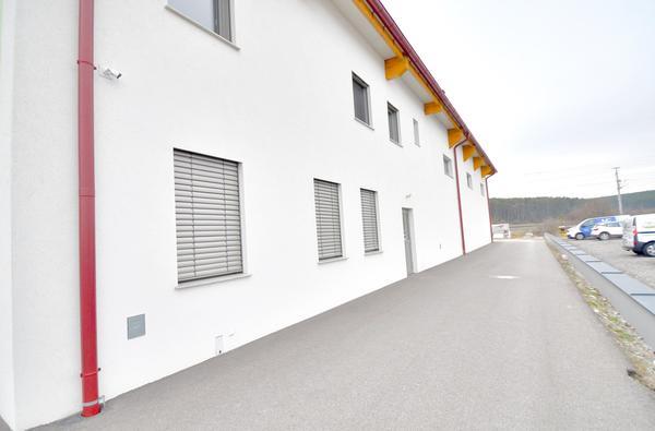AUSSENANSICHTEN - Eingangsbereich