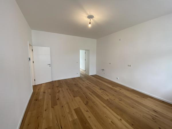 Heller Erstbezug 3 Zimmer Wohnung