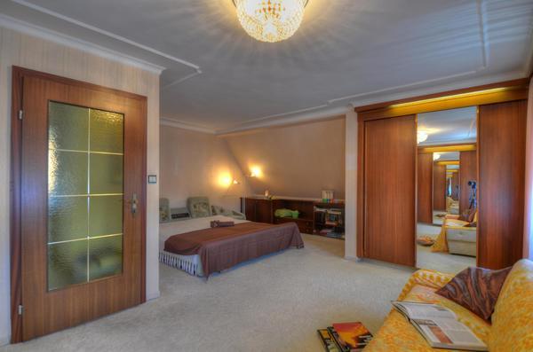 INNENANSICHTEN - Schlafzimmer.jpg