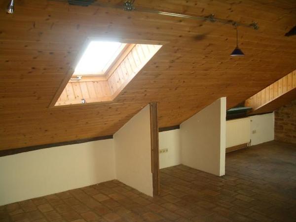 INNENANSICHTEN - Dachgeschoss.jpg