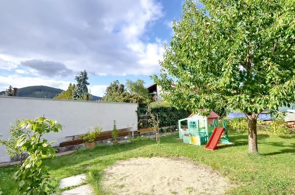 AUSSENANSICHTEN - Garten1.jpg