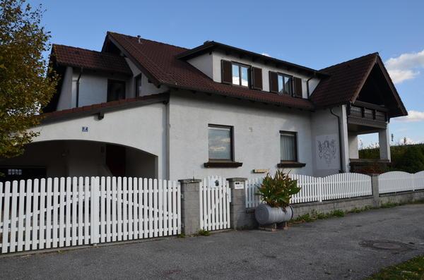 AUSSENANSICHTEN - Haus