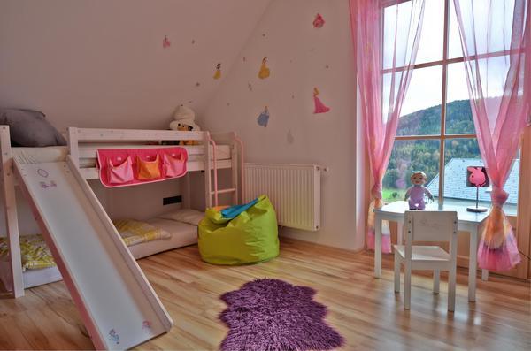 INNENANSICHTEN - Kinderzimmer_Gruenbach2