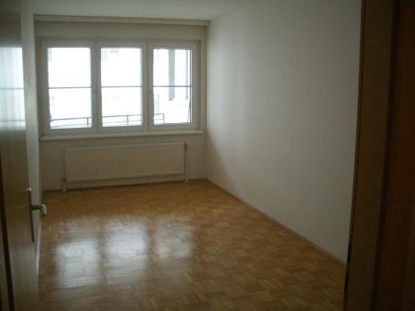 INNENANSICHTEN - Objekt 216 Schlafzimmer.jpg