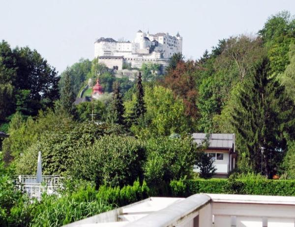 Nähe Schloß Arenberg - Villa in allerbester Lage mit 1A Festungsblick