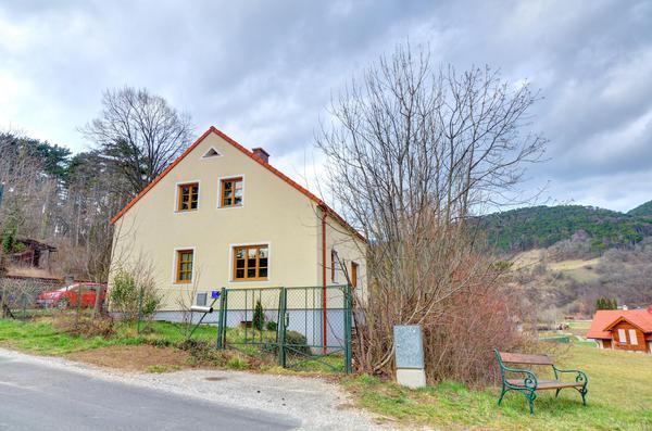 TITELBILD - Strassenansicht3