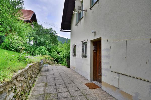 AUSSENANSICHTEN - Garten_Eingang2