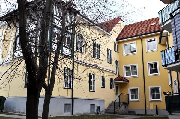 AUSSENANSICHTEN - Innenhof_1