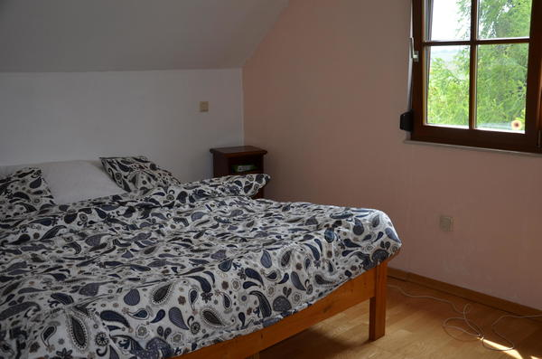 INNENANSICHTEN - Schhlafzimmer mit Schrankraum und Loggia