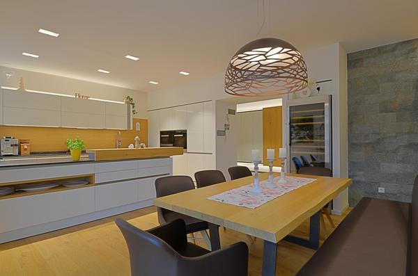 INNENANSICHTEN - Küche/Essbereich