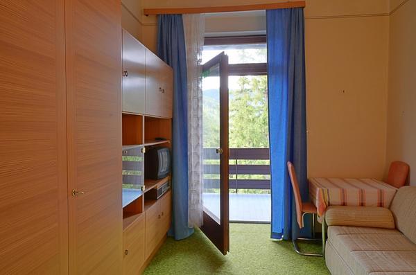 INNENANSICHTEN - Wohn/Schlafzimmer
