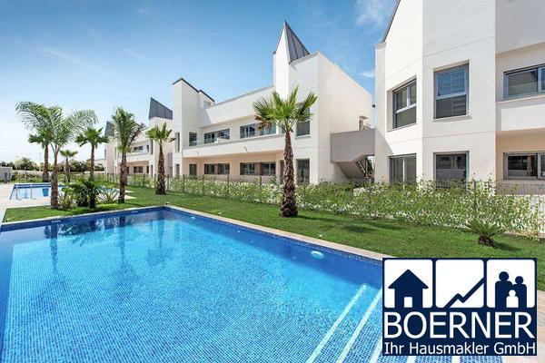 Moderne 4-Zimmer-Penthouse-Wohnungen mit Gemeinschaftspool nur 300 m vom Meer