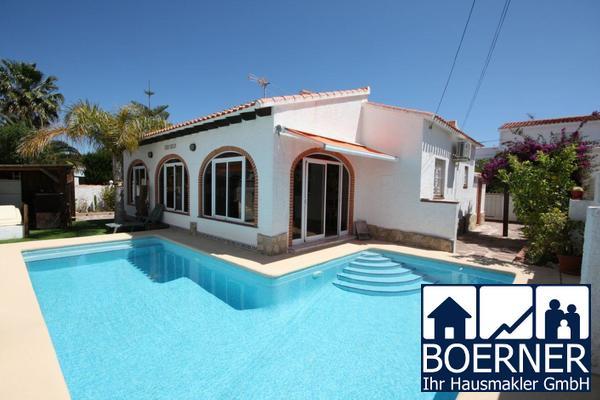 Modern renovierte 2 SZ Villa mit Pool, BBQ, Garage, diversen Terrassen, unwei...