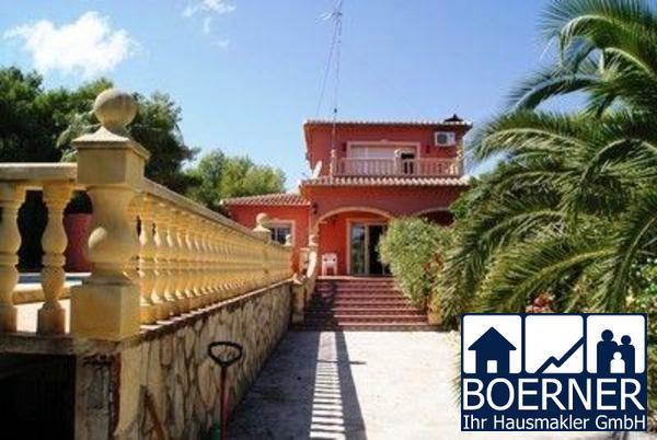Villa in Javea mit Privatpool in schöner Lage