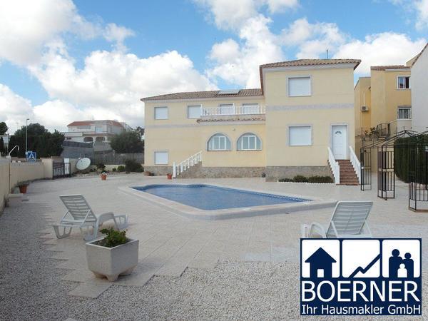 Großzügige freistehende Villa, 298 m² in strandnaher Lage