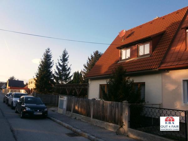 AUSSENANSICHTEN - Doppel-Haushälfte Leobersdorf ca. 185m² + ca. 708m² Grund