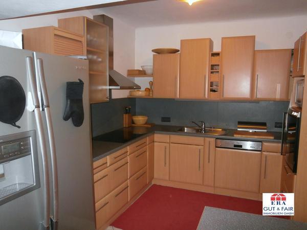 INNENANSICHTEN - Blick vom Ess-Salon in die offene Küche 1 von 2