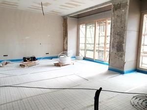 ERSTBEZUG nach komplete Saniertung - Altbauwohnung mit hofseitiger Terrasse i...