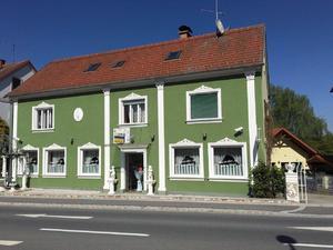PREISREDUZIERUNG Mehrfamilienhaus mit 5 Apartments und Cafe (Gewerbelokal)