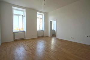 Perfekt für große Familie/Geschwister/Freunde - 5 Zimmer Wohnung in zwei Wohn...