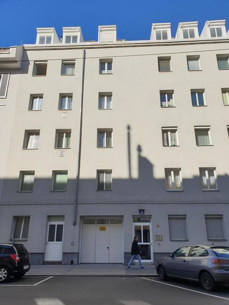 -TOP- Großes Lager mit Büro und Garage in Floridsdorf