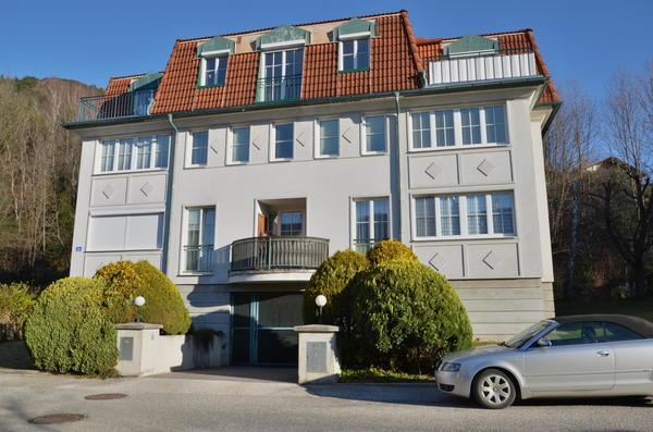 AUSSENANSICHTEN - Wohnhaus