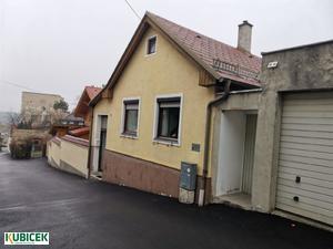 Liebevolles Haus mit kleinen Garten im Zentrum von Hainburg