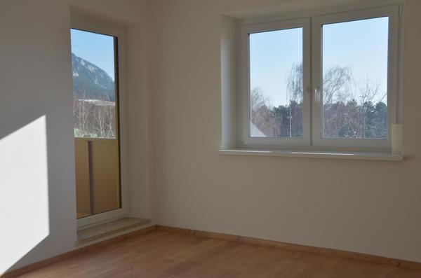 INNENANSICHTEN - Wohnzimmer Aussicht Loggia