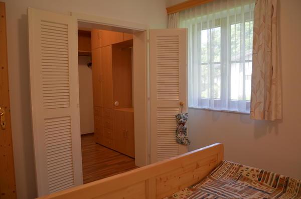 INNENANSICHTEN - Schlafzimmer mit Schrankraum